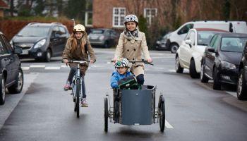 Дания: полиция нашла новый способ убедить велосипедистов носить шлемы (VIDEO)