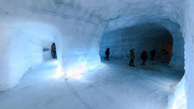 Путешествие вглубь исландского ледника