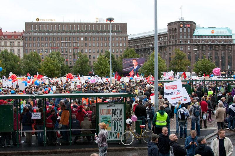 Финляндия протестует
