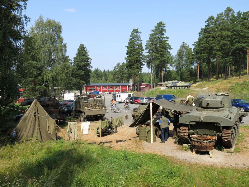 Финляндия: Танковый музей собирает любителей военной истории и техники