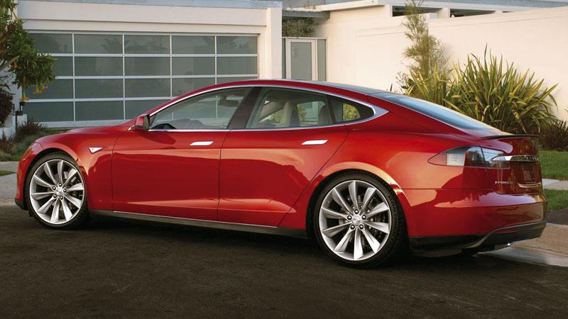 Tesla Model S: скачок в будущее